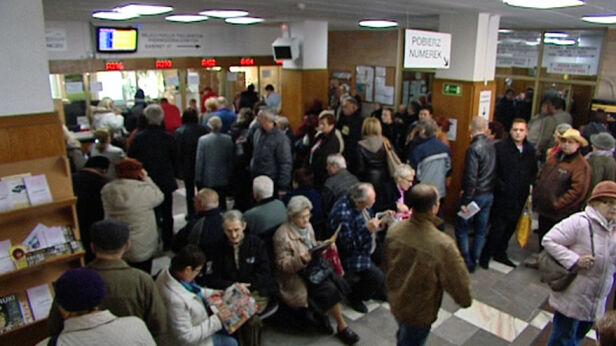 Pacjenci od dawna narzekają na złą organizację w Centrum Onkologii - fot. TVN24