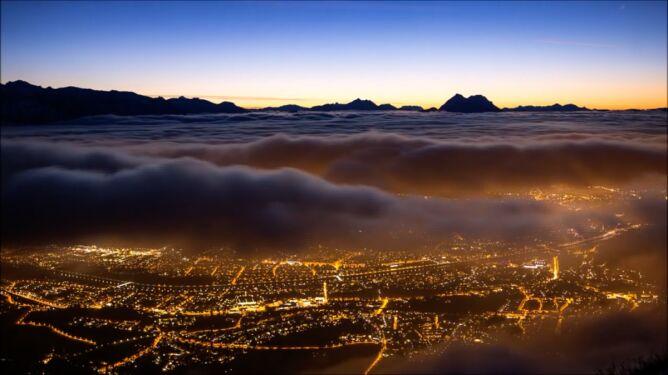 Morze chmur płynęło <br />nad austriackim miastem