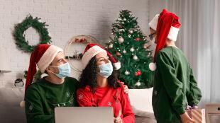 Maseczki podczas spotkań, unikanie tłoku. Zalecenia WHO na Boże Narodzenie