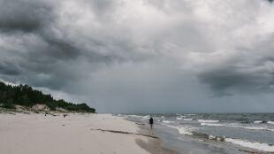 Prognoza pogody na jutro: burze na południu, deszcz na północy