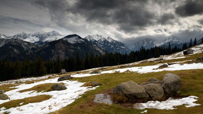 Mokro i pochmurno, śnieg niewykluczony